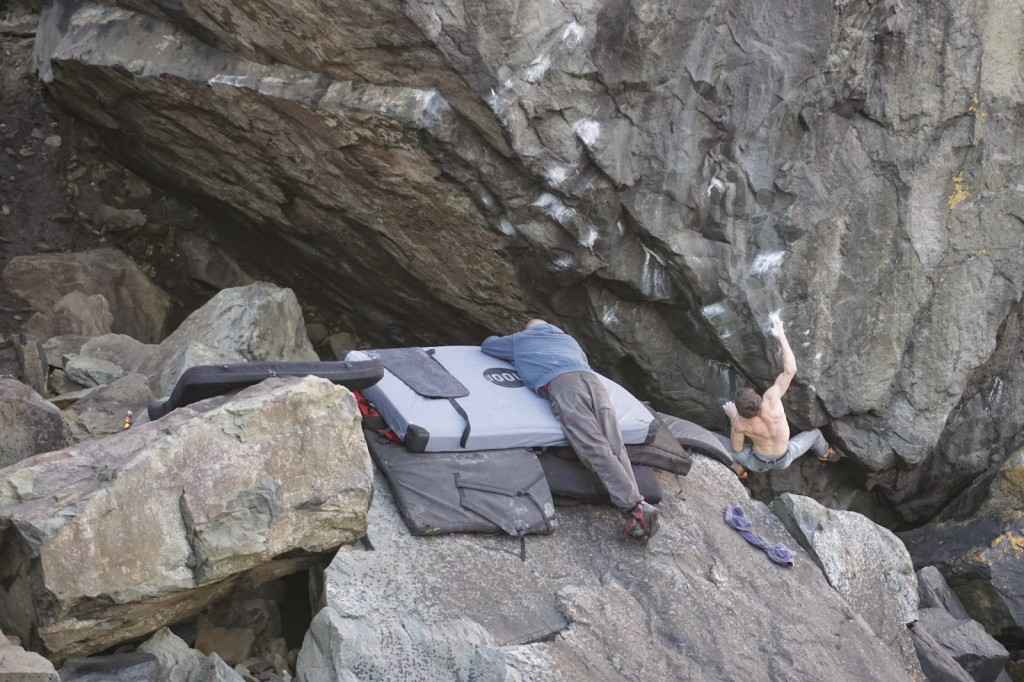Ricky on Gentleman's Arete 8b. Photo from Ricky's blog.